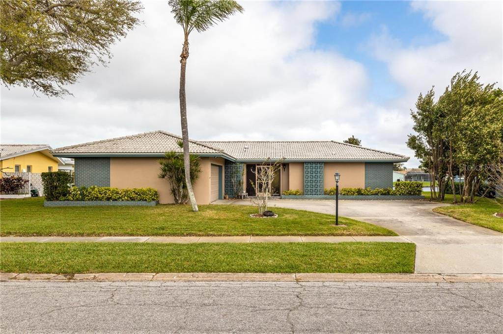 13833 PINECREST DRIVE Property Photo - LARGO, FL real estate listing