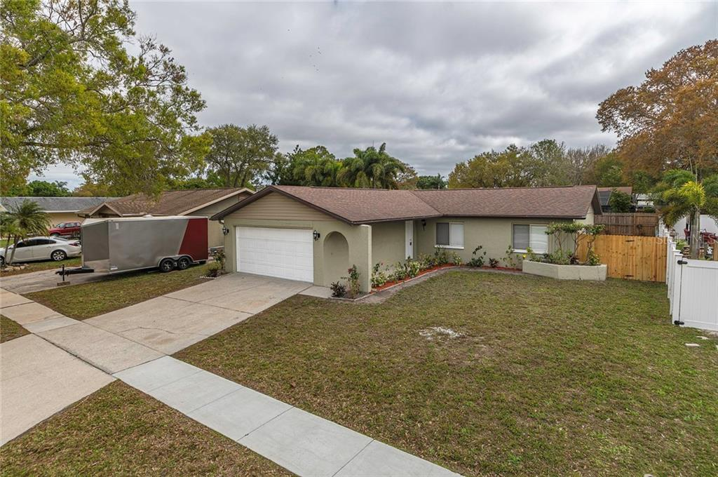 8102 COTTONWOODE DRIVE Property Photo - LARGO, FL real estate listing
