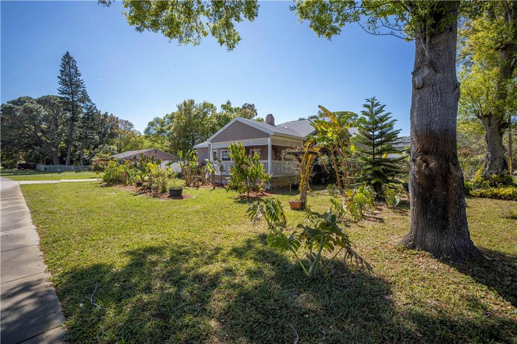 2301 54TH STREET S Property Photo - GULFPORT, FL real estate listing