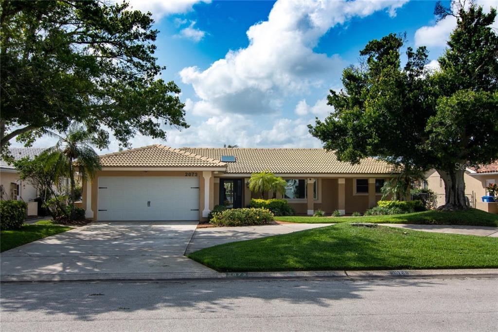 2073 MASSACHUSETTS AVENUE NE Property Photo - ST PETERSBURG, FL real estate listing
