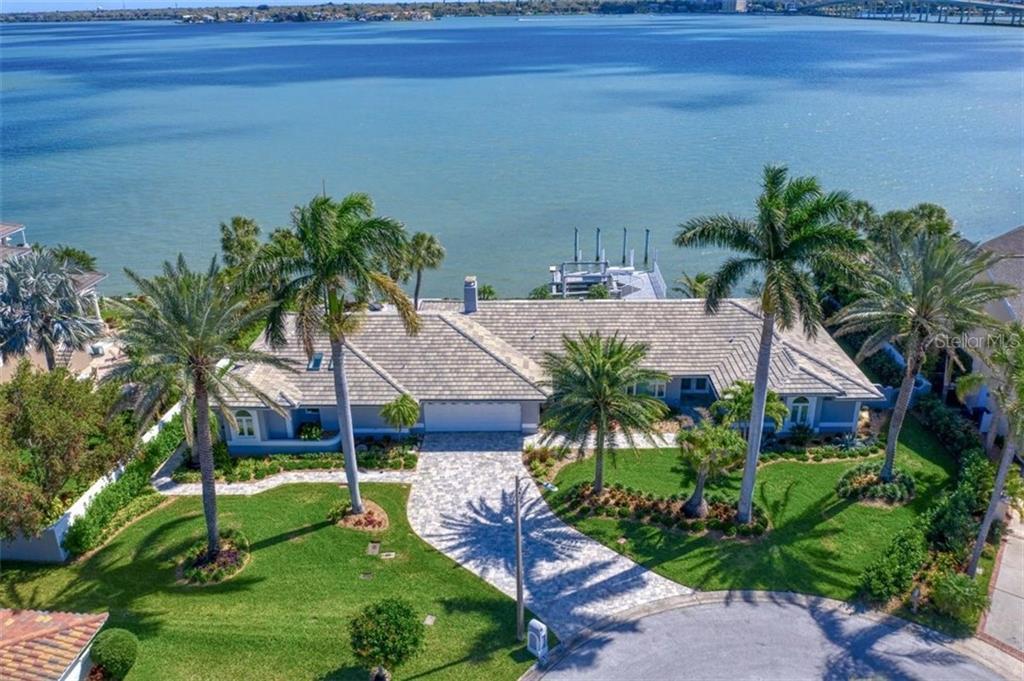 125 15TH STREET Property Photo - BELLEAIR BEACH, FL real estate listing