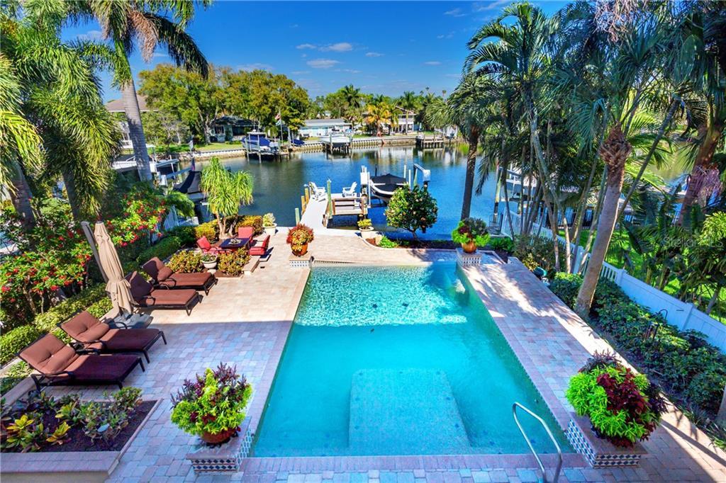 5341 BAYOU GRANDE BOULEVARD NE Property Photo - ST PETERSBURG, FL real estate listing