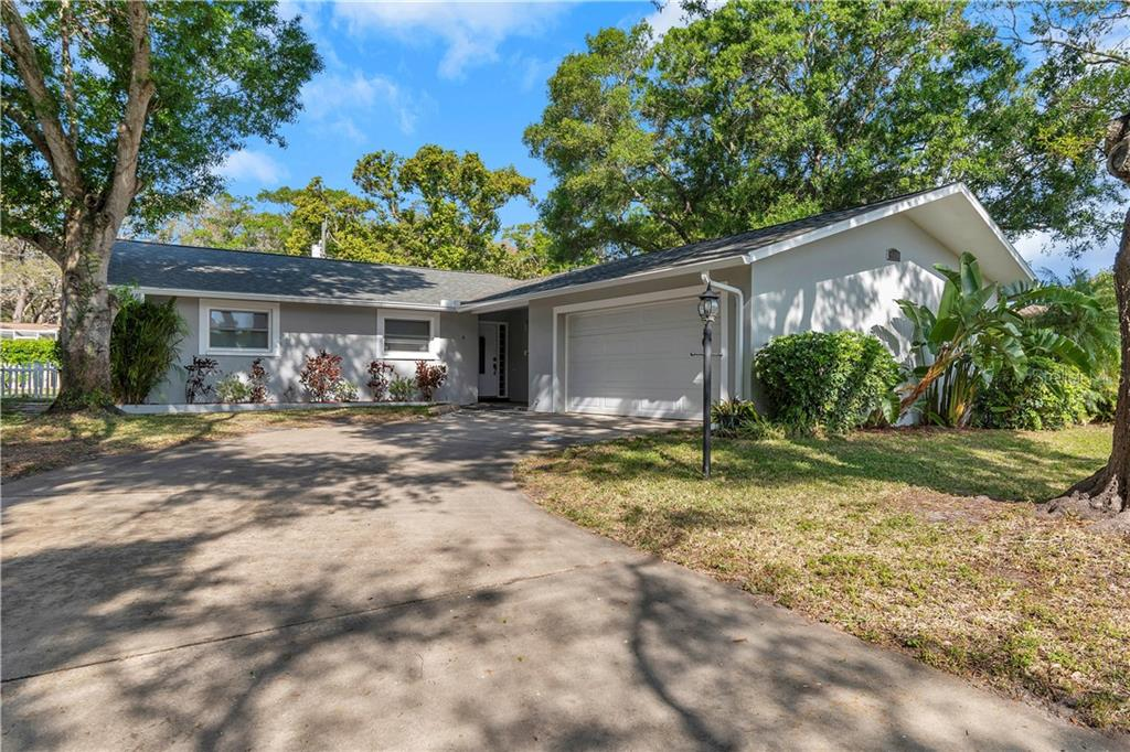 810 LAKE FOREST ROAD Property Photo - CLEARWATER, FL real estate listing