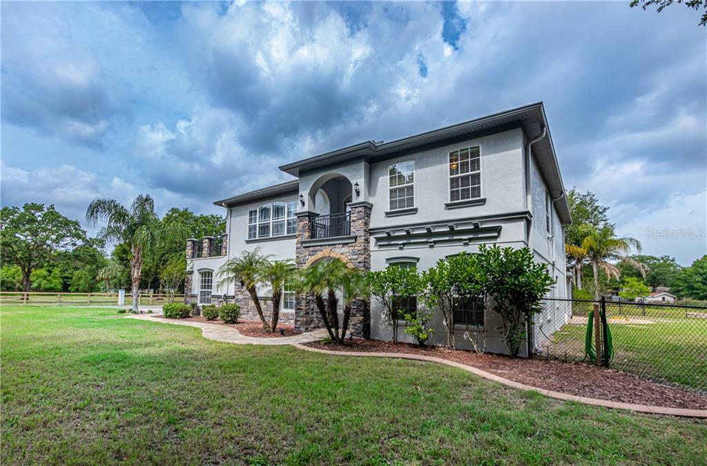 9679 Lakeview Drive Property Photo