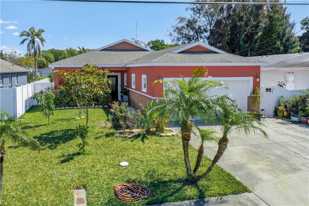 6621 51st Way N Property Photo