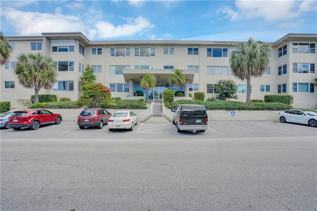 55 HARBOR VIEW LANE #307 Property Photo - BELLEAIR BLUFFS, FL real estate listing
