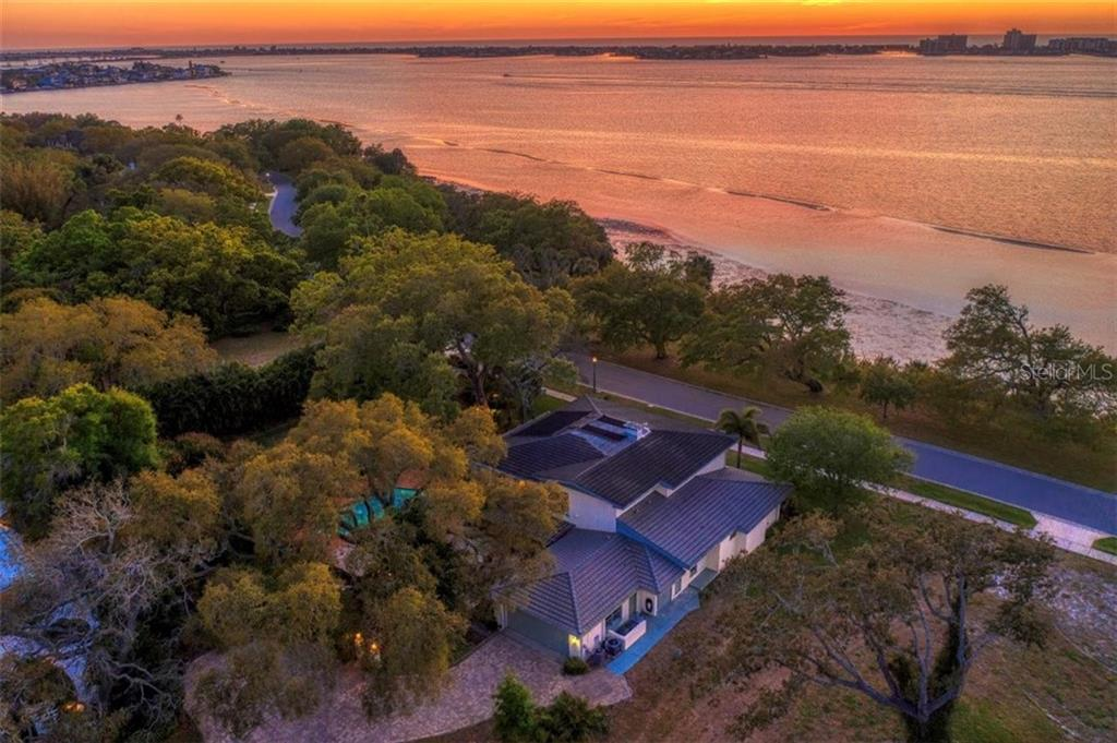 415 Bayview Drive Property Photo