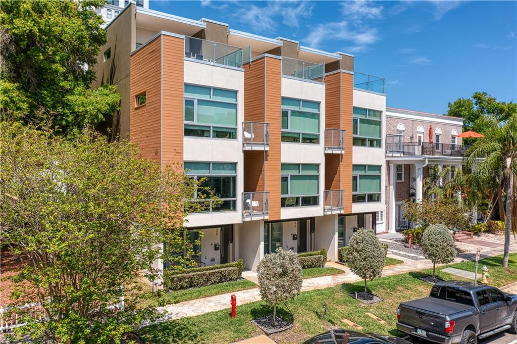 235 4th Avenue N Property Photo