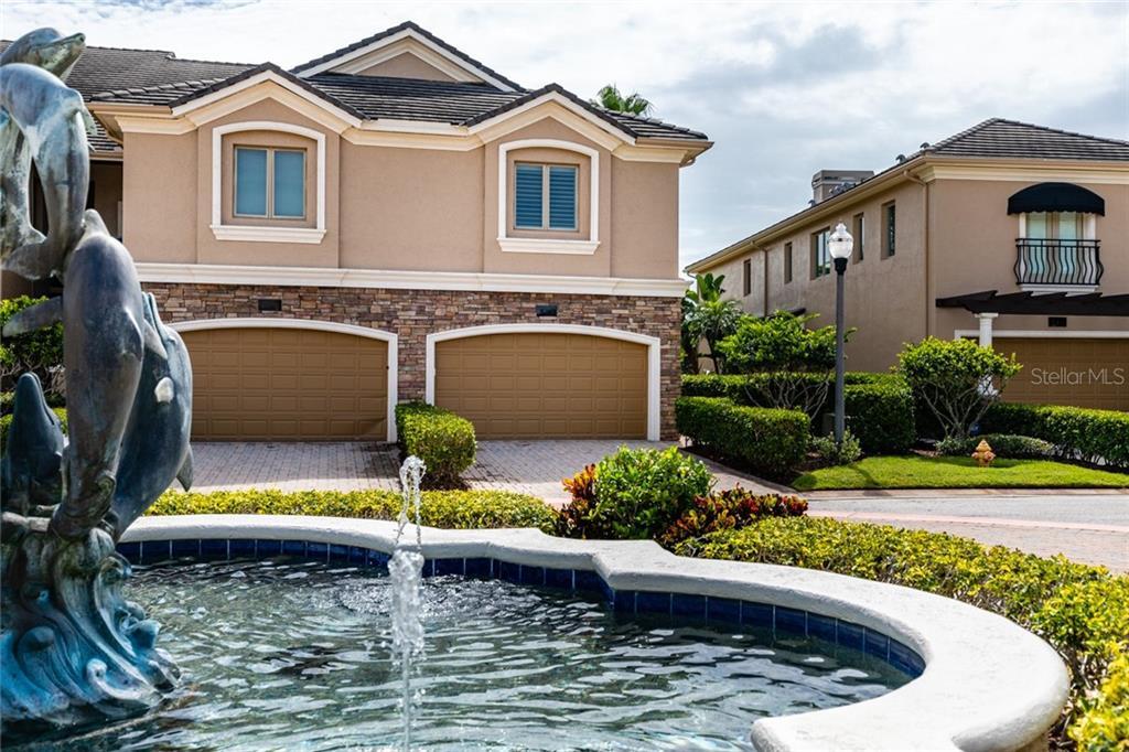 613 SAXONY BOULEVARD Property Photo - ST PETERSBURG, FL real estate listing