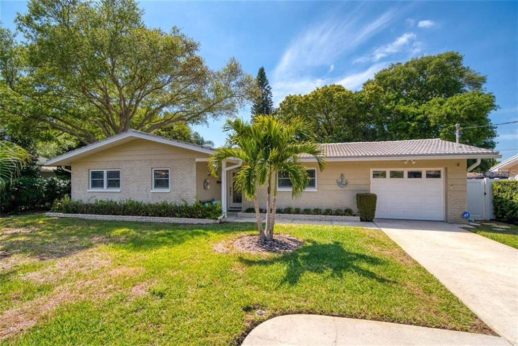 546 PALMER ROAD Property Photo - BELLEAIR BLUFFS, FL real estate listing