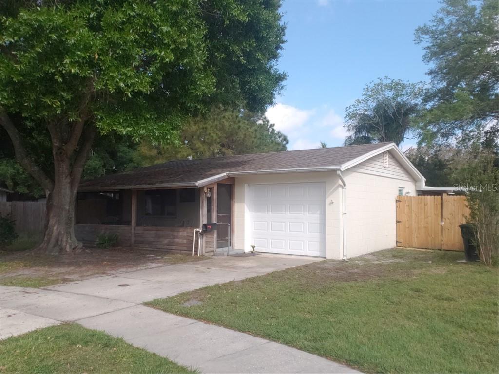 10065 61st Circle N Property Photo