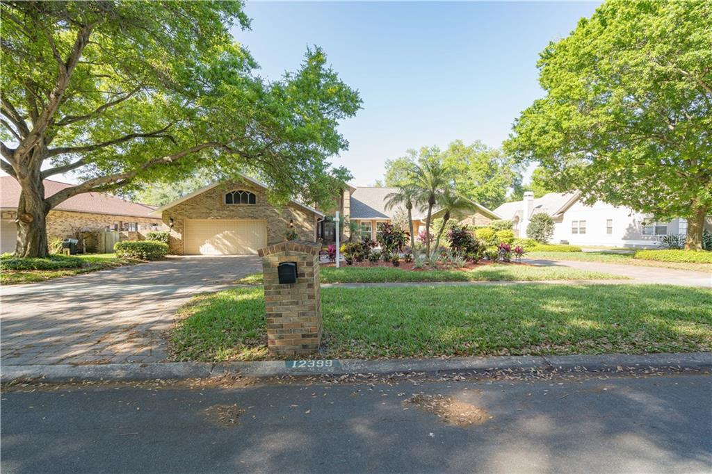 12399 Oaks Lane Property Photo