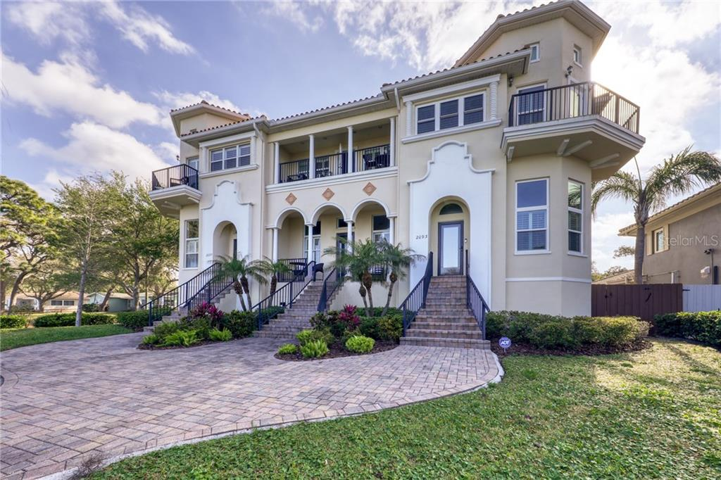 2093 EDGEWATER DRIVE Property Photo - CLEARWATER, FL real estate listing