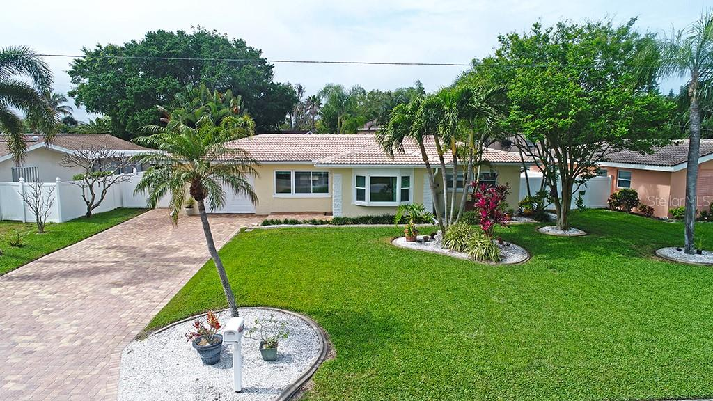 122 8TH STREET Property Photo - BELLEAIR BEACH, FL real estate listing