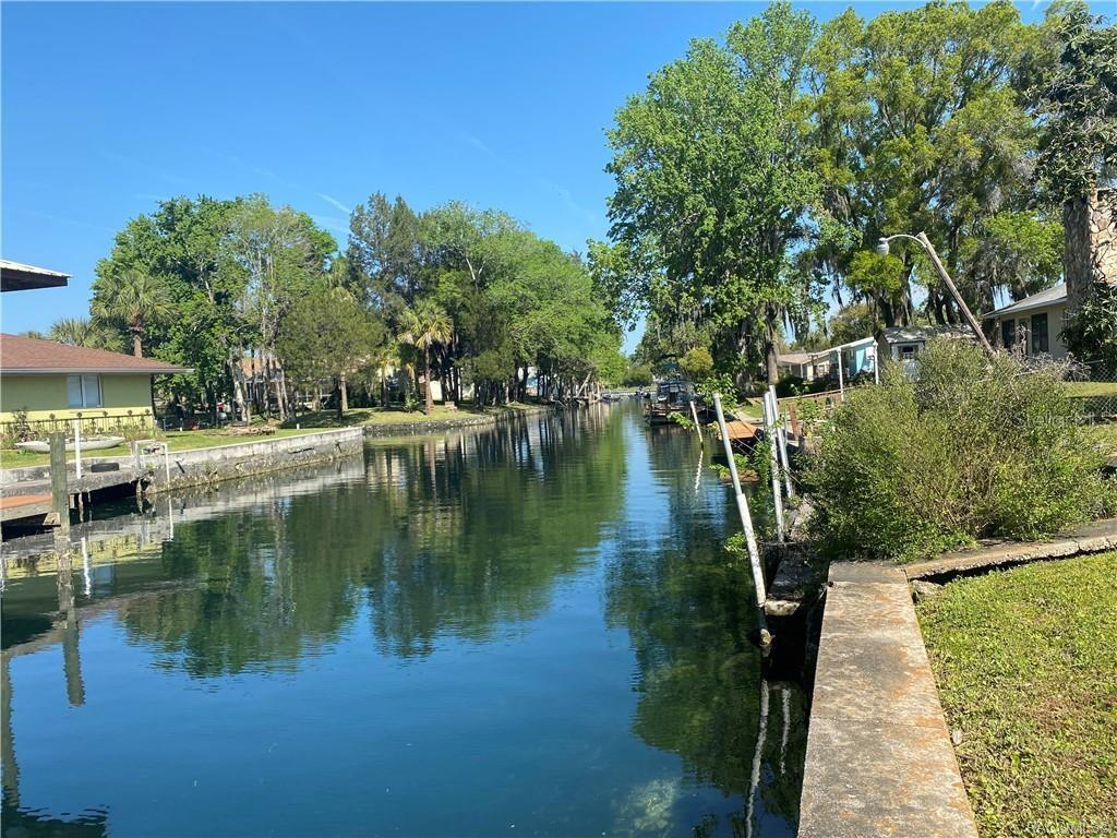 222 SE KINGS BAY DRIVE Property Photo - CRYSTAL RIVER, FL real estate listing