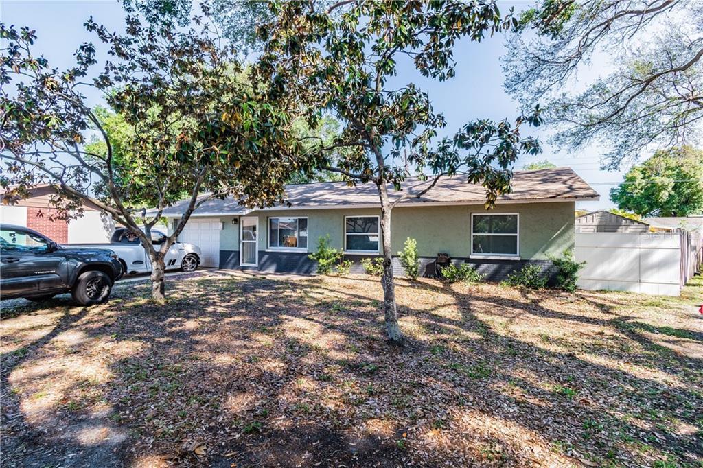 5584 56TH WAY N Property Photo - KENNETH CITY, FL real estate listing