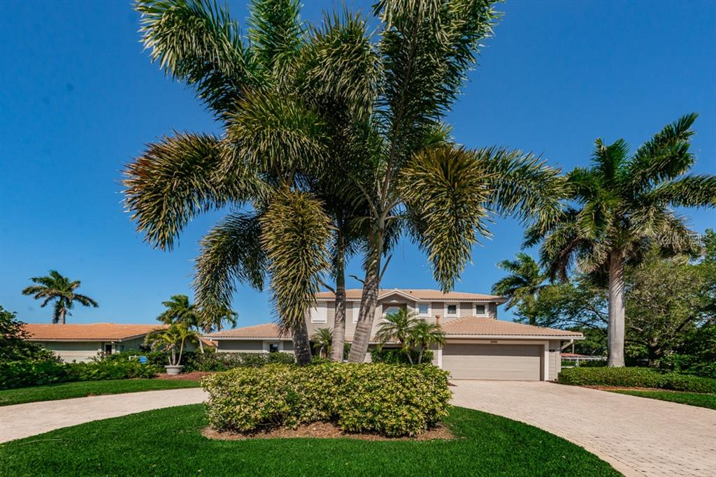 1999 ILLINOIS AVENUE NE Property Photo - ST PETERSBURG, FL real estate listing