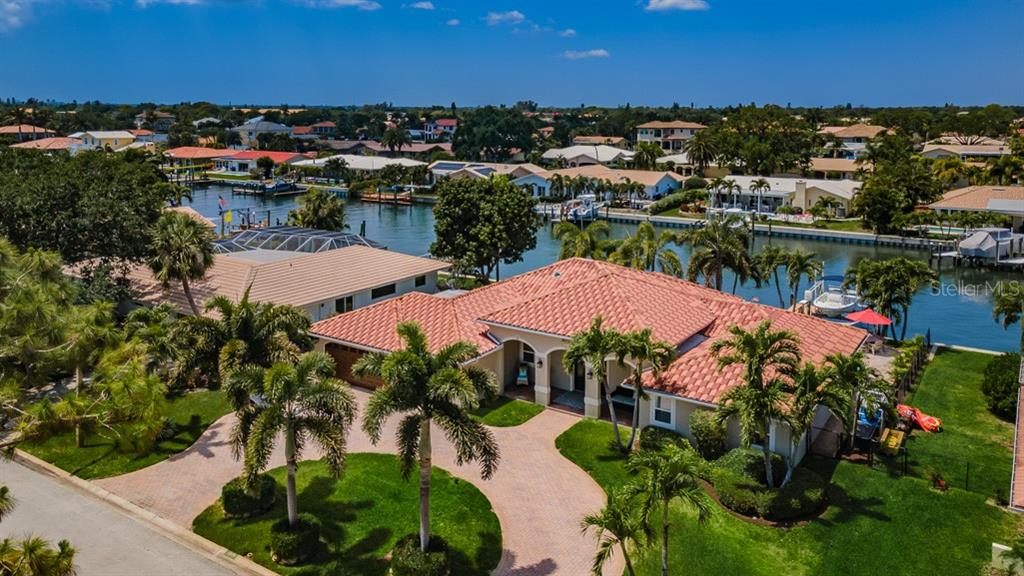 1977 ILLINOIS AVENUE NE Property Photo - ST PETERSBURG, FL real estate listing