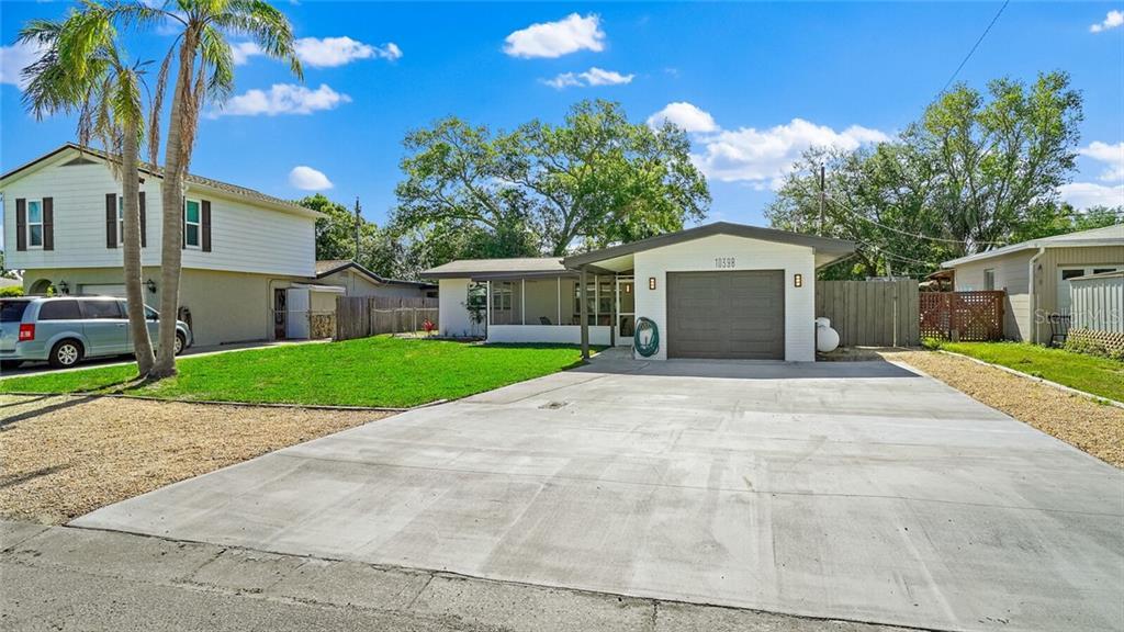 10398 VALENCIA ROAD Property Photo - SEMINOLE, FL real estate listing