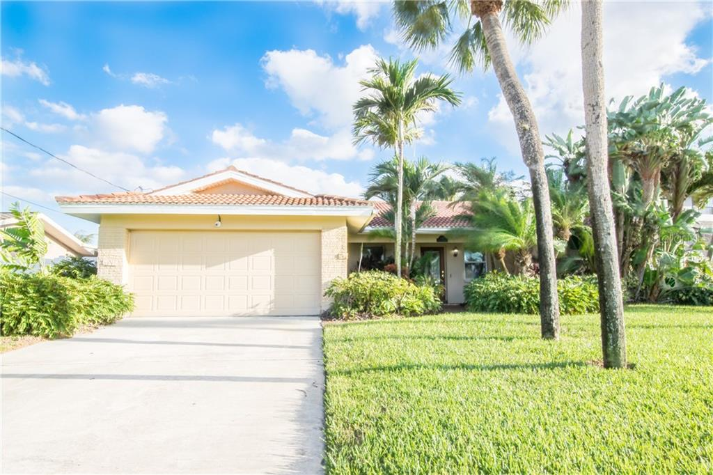 1096 79TH STREET S Property Photo - ST PETERSBURG, FL real estate listing