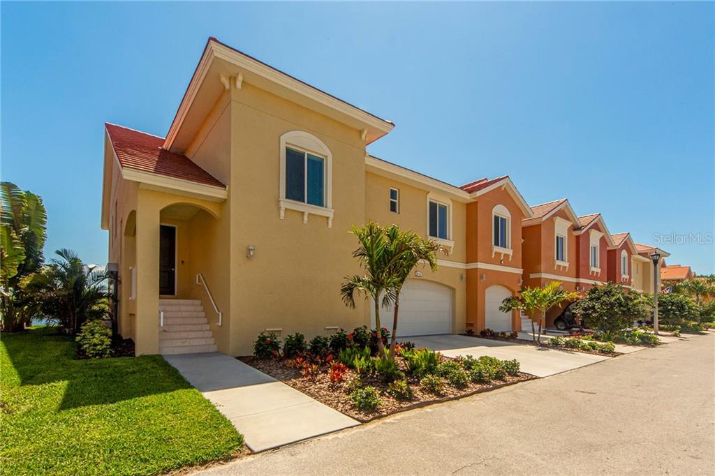 21 FRANKLIN COURT S #A Property Photo - ST PETERSBURG, FL real estate listing