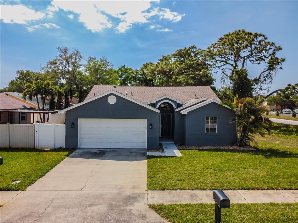 2520 Southern Oak Circle Property Photo