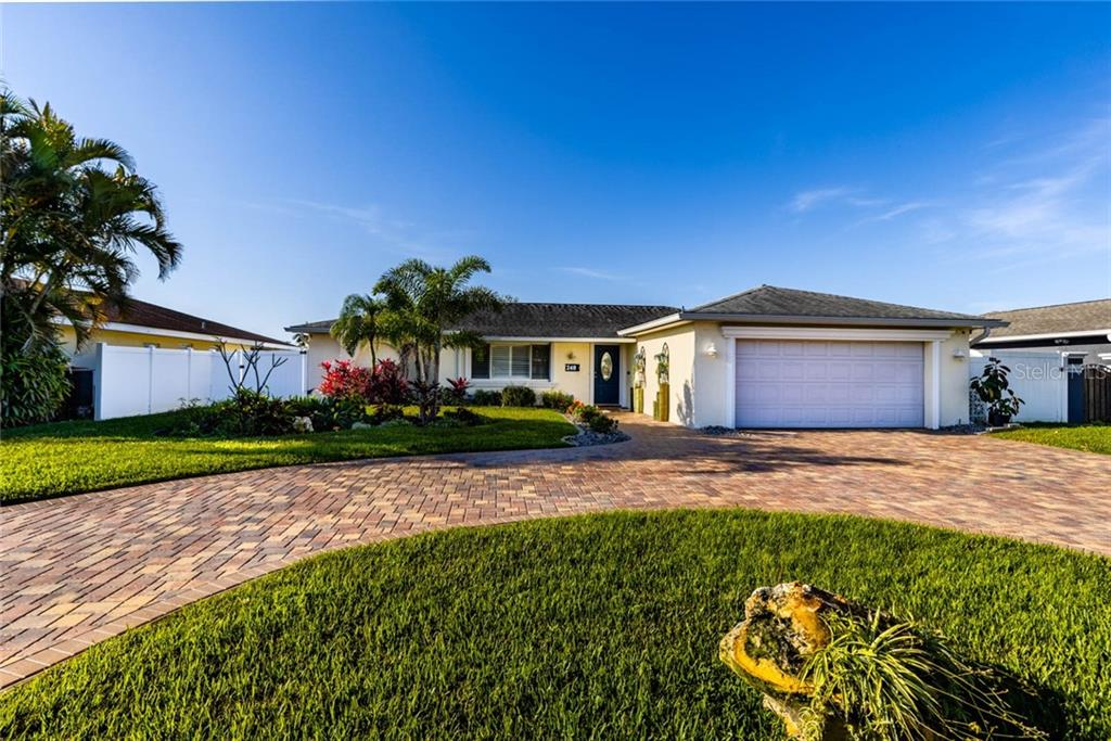 240 98TH AVENUE NE Property Photo - ST PETERSBURG, FL real estate listing