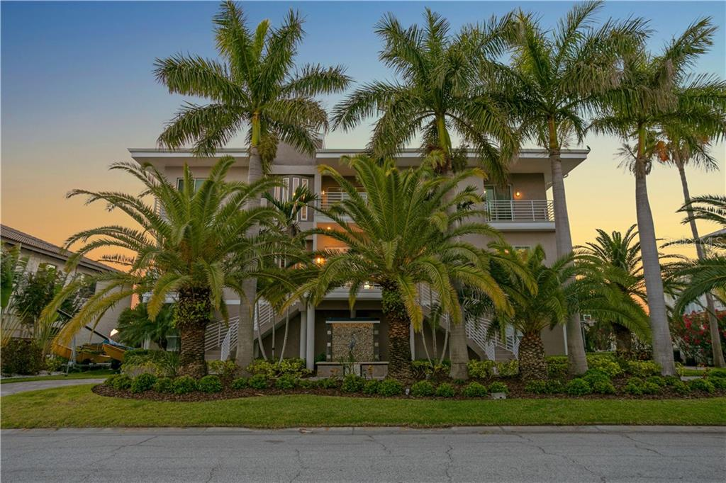 851 BAY POINT DRIVE Property Photo - MADEIRA BEACH, FL real estate listing