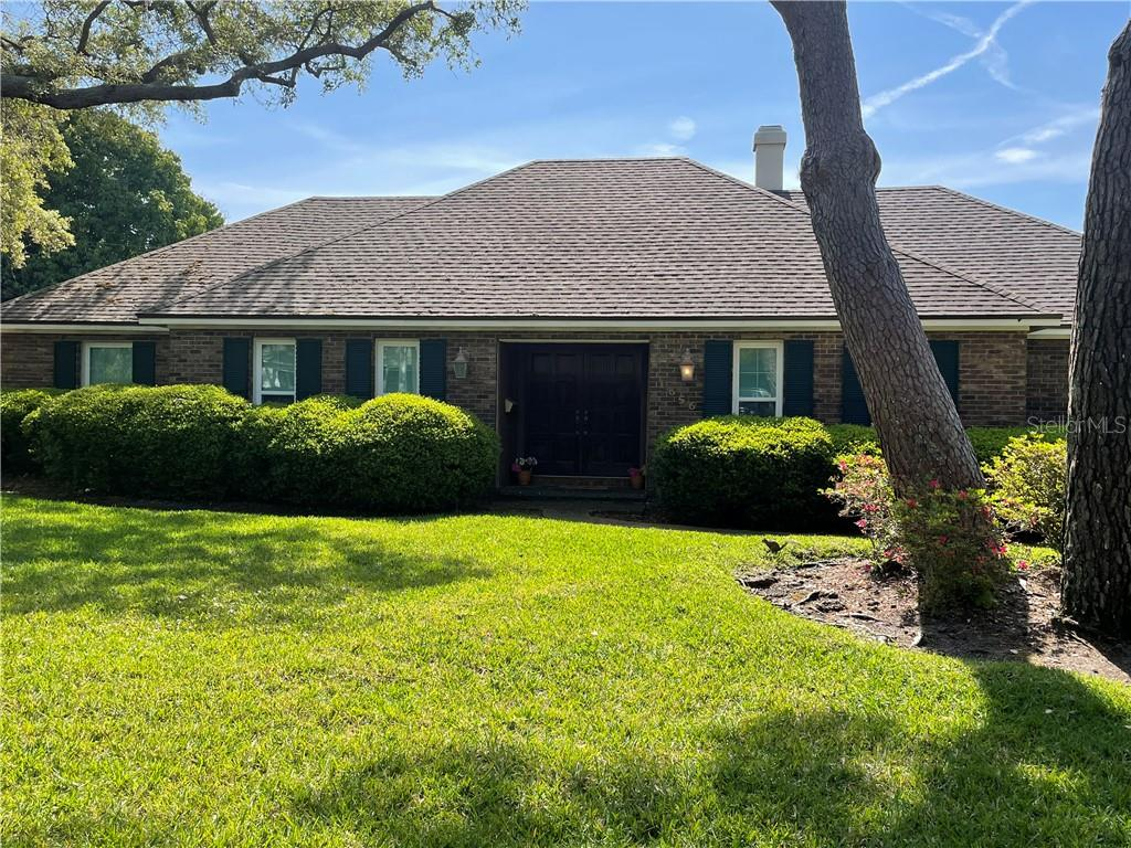 1656 MANOR WAY S Property Photo - ST PETERSBURG, FL real estate listing