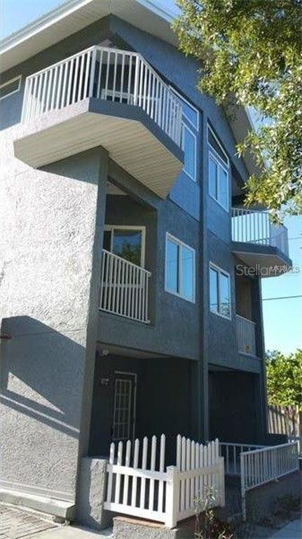 14322 Real Estate Listings Main Image