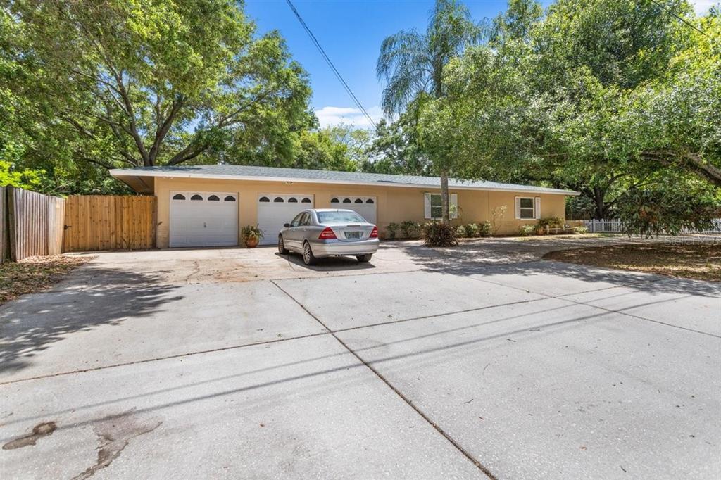 1805 Greenlea Drive Property Photo