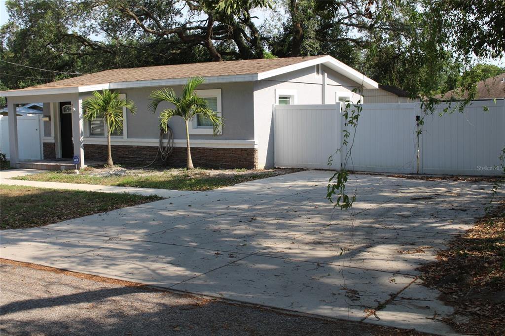 813 Lexington Boulevard Property Photo