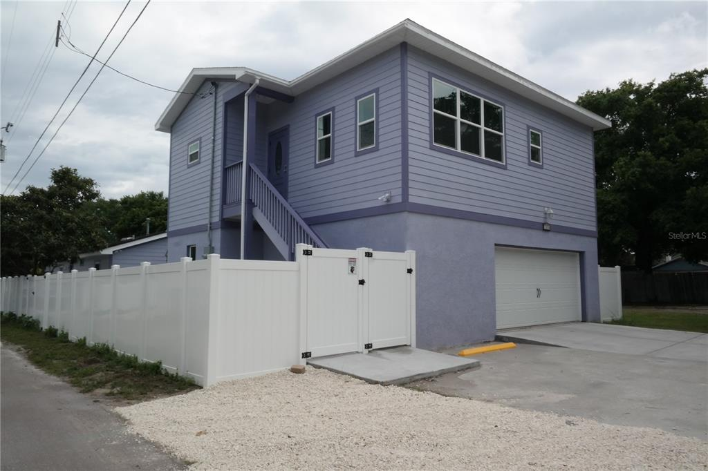 1025 1/2 7th Street Property Photo