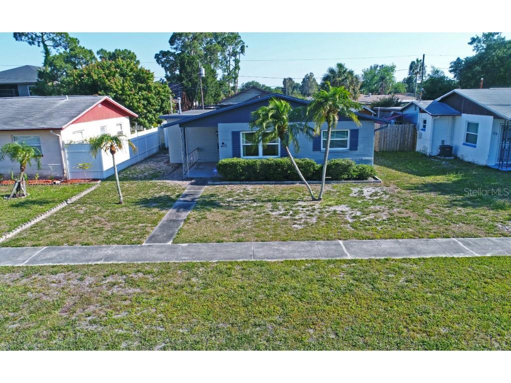 750 90th Avenue N Property Photo