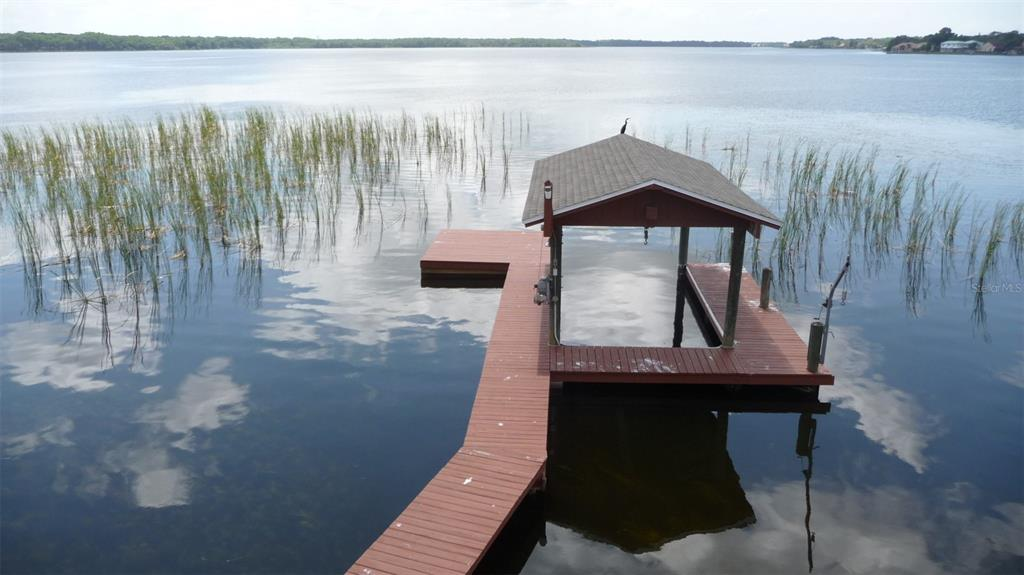 130 Lake Shore Drive N Property Photo 1