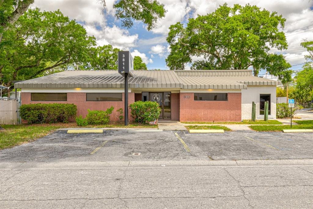 3811 W Sligh Avenue Property Photo