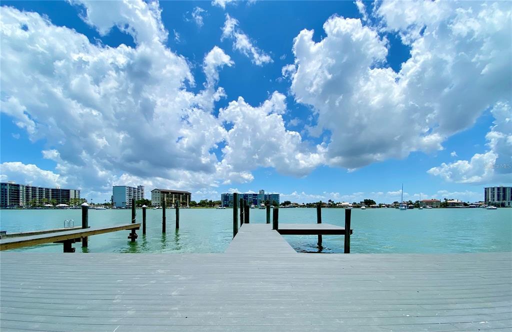 599 Bay Esplanade Property Photo