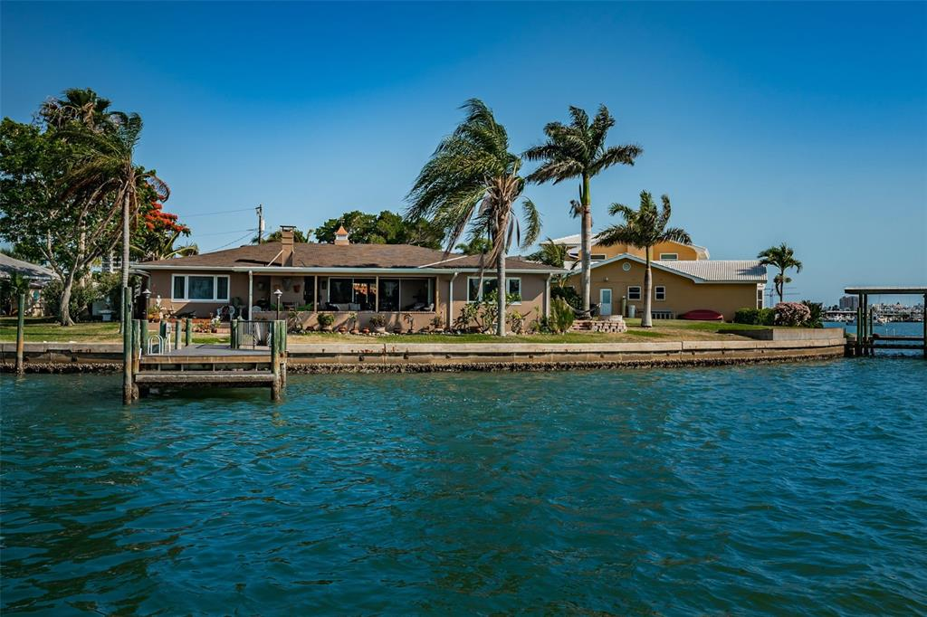 210 Palm Island Nw Property Photo 1