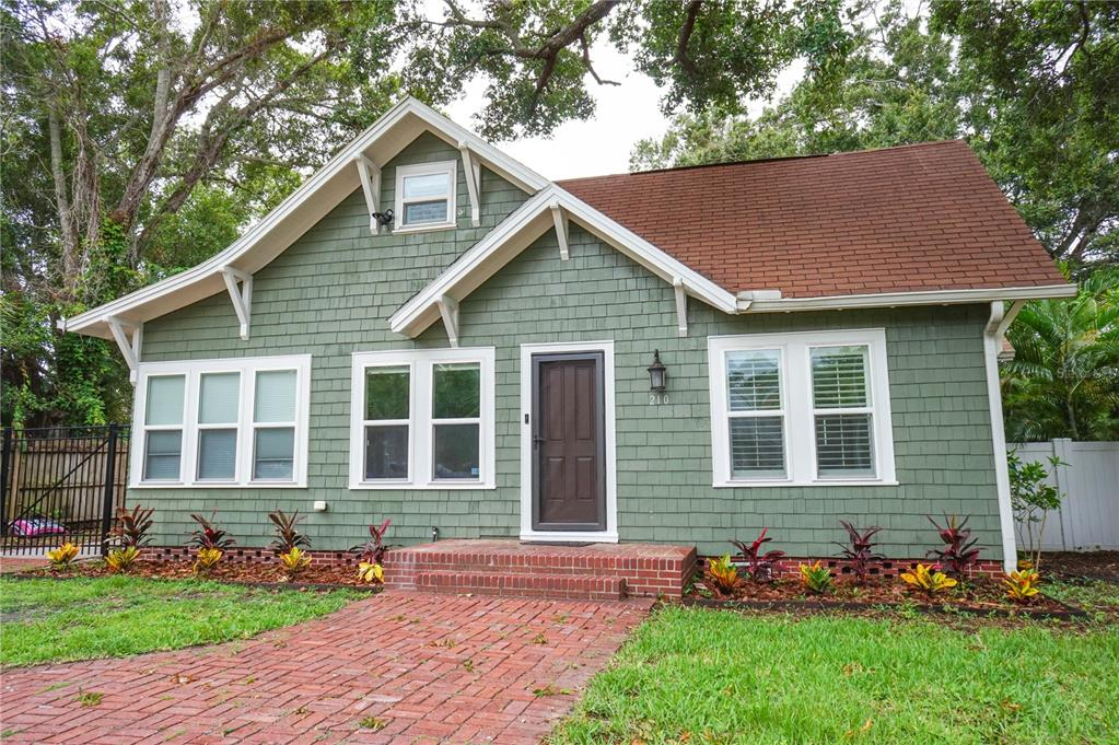 210 N Missouri Ave Property Photo
