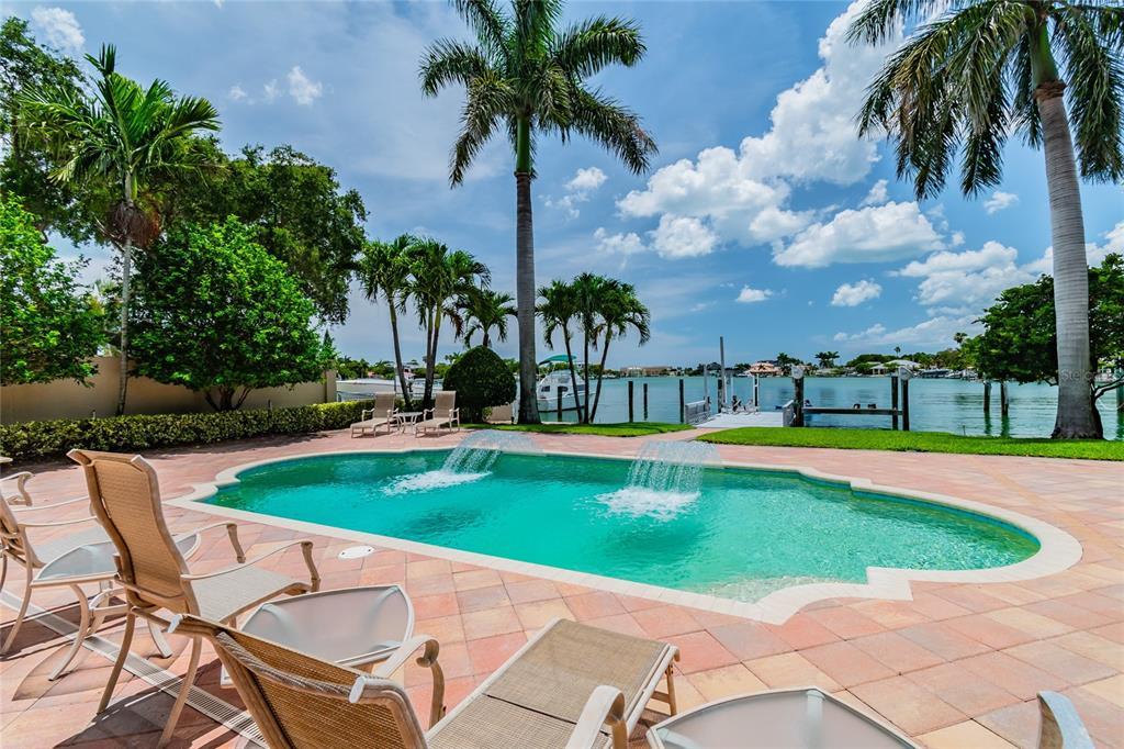 10312 Paradise Boulevard Property Photo