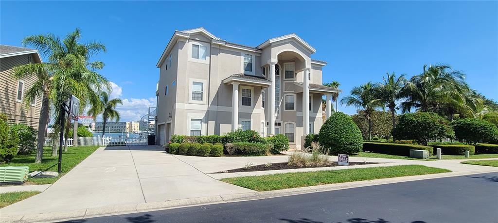 2844 Seabreeze Drive S Property Photo 1