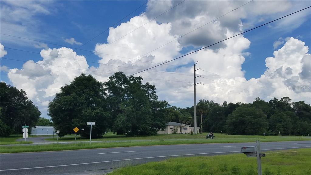 2499 N Woodland Boulevard Property Photo