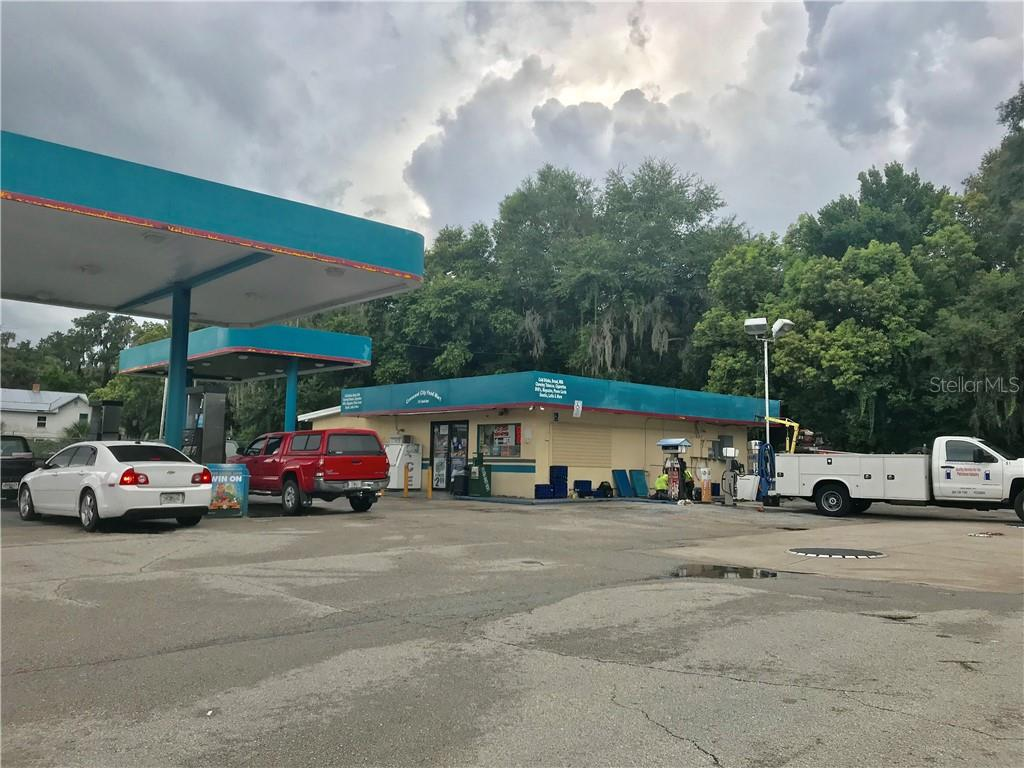 300 S SUMMIT ST Property Photo - CRESCENT CITY, FL real estate listing