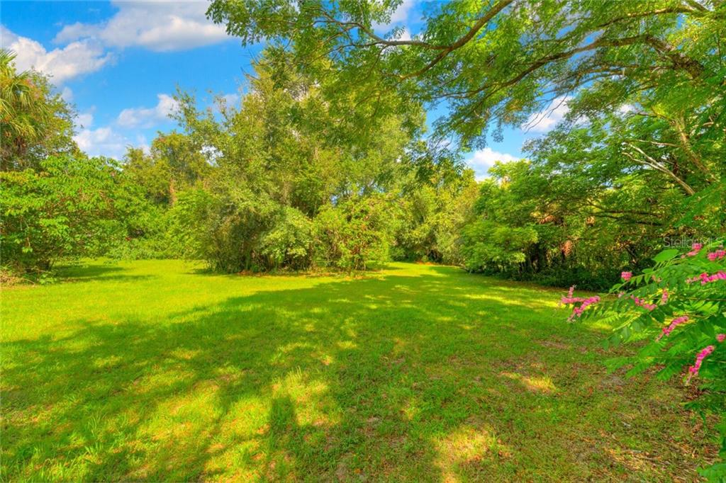 613 W INDIANA AVENUE Property Photo