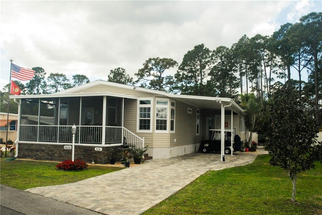 924 Blue Heron Boulevard Property Photo