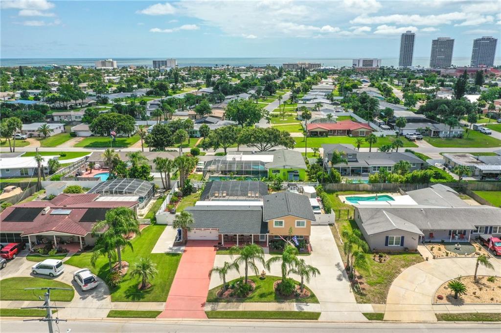 833 RIVERSIDE DR Property Photo - ORMOND BEACH, FL real estate listing