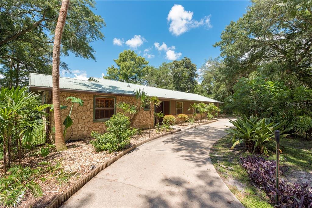 253 E CONSTANCE ROAD Property Photo - DEBARY, FL real estate listing