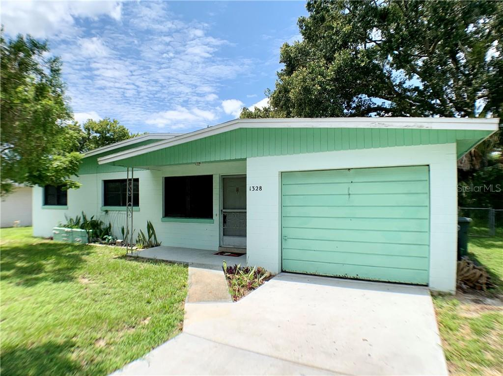 1328 IMPERIAL DRIVE Property Photo - DAYTONA BEACH, FL real estate listing