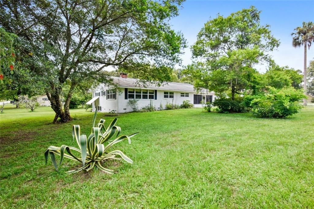 154 N LAKEVIEW DRIVE Property Photo - LAKE HELEN, FL real estate listing