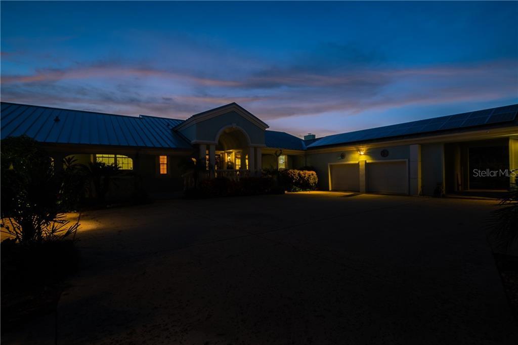 2411 N HALIFAX AVENUE Property Photo - DAYTONA BEACH, FL real estate listing